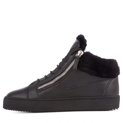 Black Mid-Top Kriss Arena Trainers
